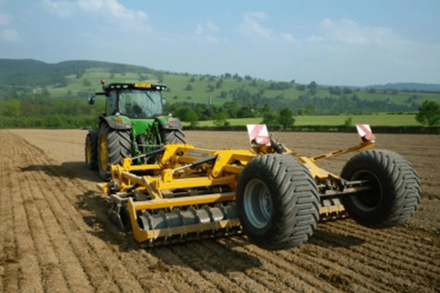 Zaaibedbereiding _ DISCAERATOR 4000 combi-cultivator